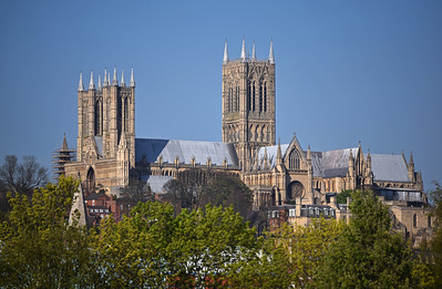 16.04.14 - Under the Big Blue  I'm aware that parts of America are still getting snow after a very harsh winter, but here in the UK spring is well under way after the mildest winter most of us can remember. This is Lincoln Cathedral yesterday in beautiful light